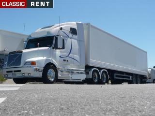 location camion am ricain us truck blanc de 2000 louer. Black Bedroom Furniture Sets. Home Design Ideas
