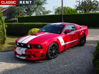 location ford mustang rouge de 2007 louer ford mustang. Black Bedroom Furniture Sets. Home Design Ideas
