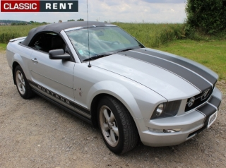 location ford mustang gris de 2007 louer ford mustang gris de 2007. Black Bedroom Furniture Sets. Home Design Ideas
