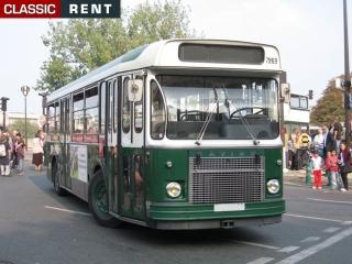 location bus parisien de transport urbain blanc de 1970 louer bus parisien de transport. Black Bedroom Furniture Sets. Home Design Ideas