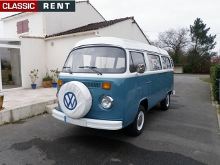 location volkswagen combi bleu de 1977 louer volkswagen. Black Bedroom Furniture Sets. Home Design Ideas