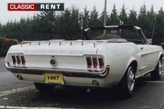 location ford mustang blanc de 1967 louer ford mustang. Black Bedroom Furniture Sets. Home Design Ideas