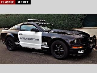 location voiture de police am ricaine noir de 2006 louer voiture de police am ricaine noir. Black Bedroom Furniture Sets. Home Design Ideas