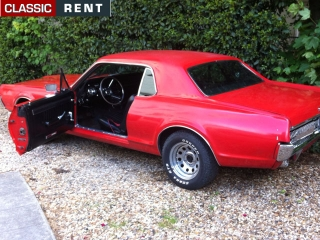 location mercury cougar rouge de 1967 louer mercury cougar rouge de 1967. Black Bedroom Furniture Sets. Home Design Ideas