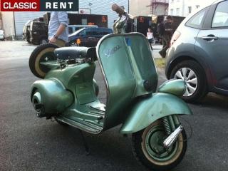 Ancien Scooter location scooter ancien vespa vert de 1951 - louer scooter ancien