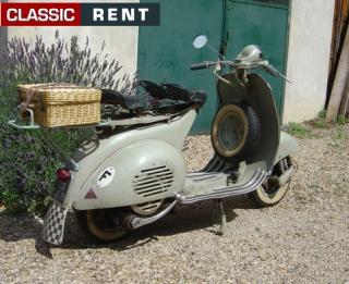 Ancien Scooter location scooter ancien vespa vert de 1957 - louer scooter ancien